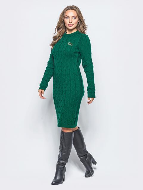 Зелёное вязаное платье с фурнитурой на полочке - 15913, фото 1 – интернет-магазин Dressa