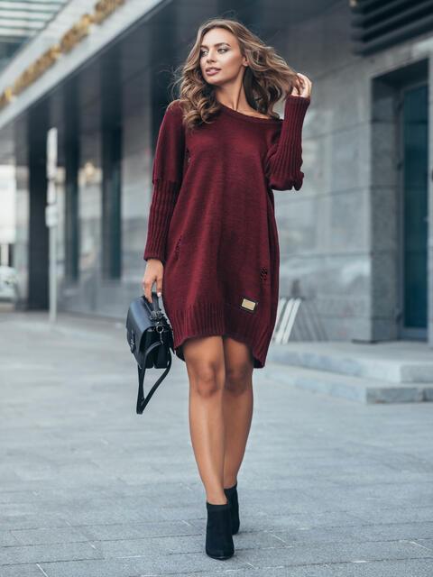 Бордовое вязаное платье с перфорацией и резинкой на рукавах - 17077, фото 1 – интернет-магазин Dressa