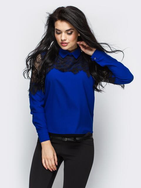 Синяя блузка прямого кроя с гипюровой кокеткой 10004, фото 1