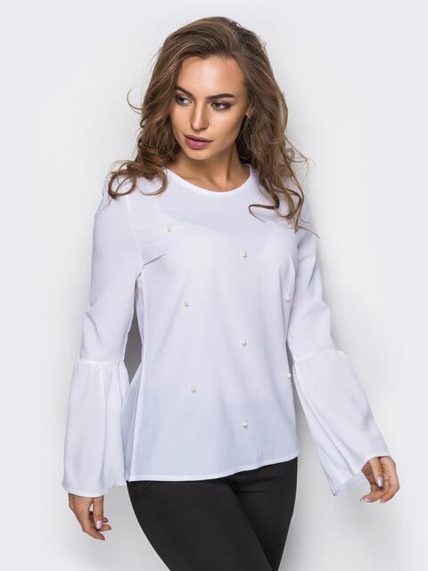 Блузка с рукавом-колокол и пришивными бусинами на полочке - 12189, фото 1 – интернет-магазин Dressa