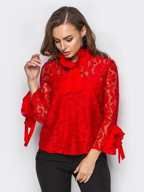 Красная гипюровая блузка с оборками на рукавах и лентами-завязками - 12187, фото 1 – интернет-магазин Dressa