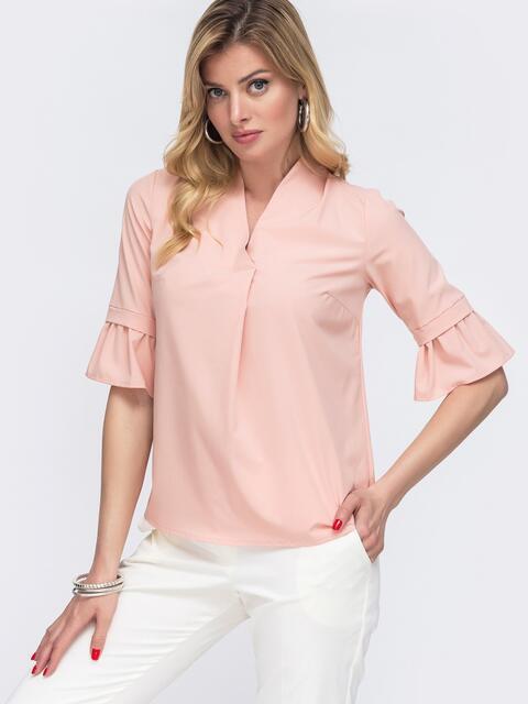 Пудровая блузка прямого кроя с воланами на рукавах 48418, фото 1