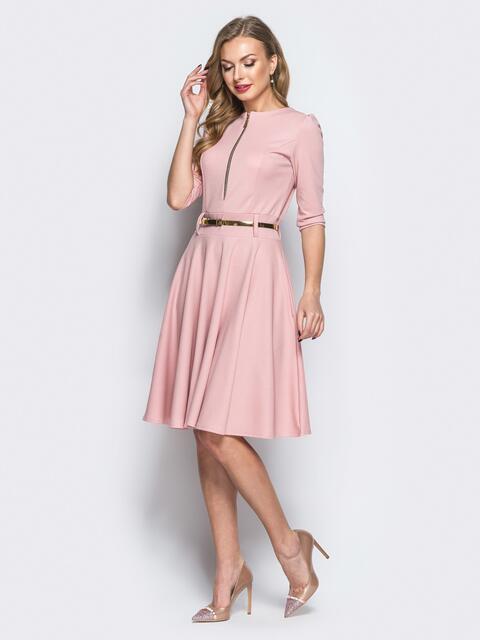 Платье с расклешенной юбкой и функциональной молнией пудровое 18110, фото 1