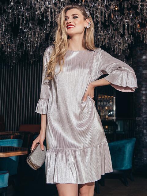 Платье свободного кроя с оборкой по низу пудра - 42959, фото 1 – интернет-магазин Dressa