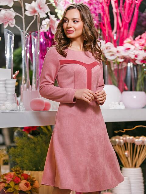 Замшевое платье розового цвета с контрастными вставками на полочке - 20022, фото 1 – интернет-магазин Dressa
