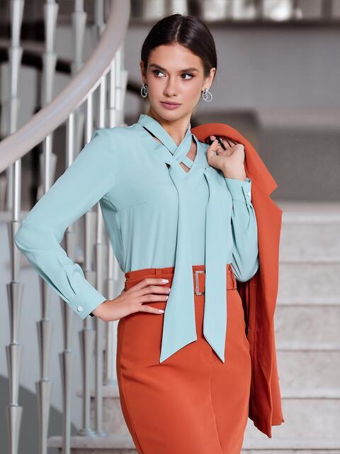 Блузка мятного цвета с V-вырезом и завязками - 40097, фото 1 – интернет-магазин Dressa