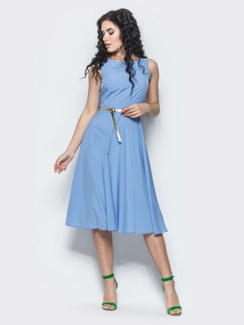 Голубое полуприталенное платье с поясом - 12676, фото 1 – интернет-магазин Dressa