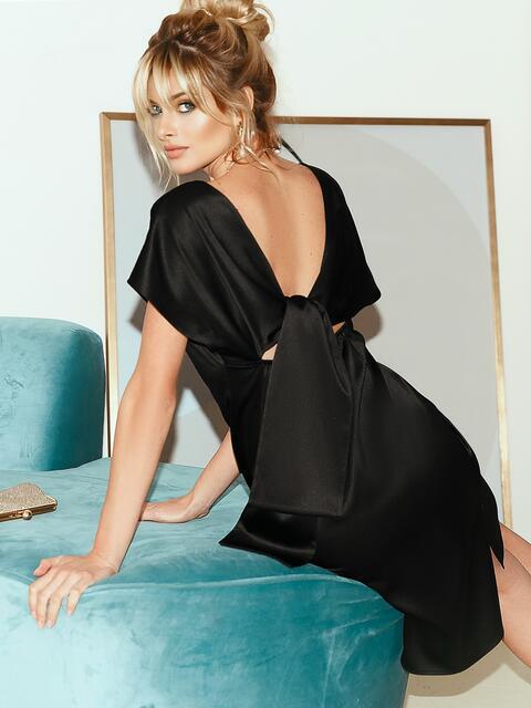 Приталенное платье из атласа с вырезом по спинке чёрное 51706, фото 1