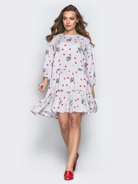 Принтованное платье свободного кроя с воланом серое 20661, фото 1