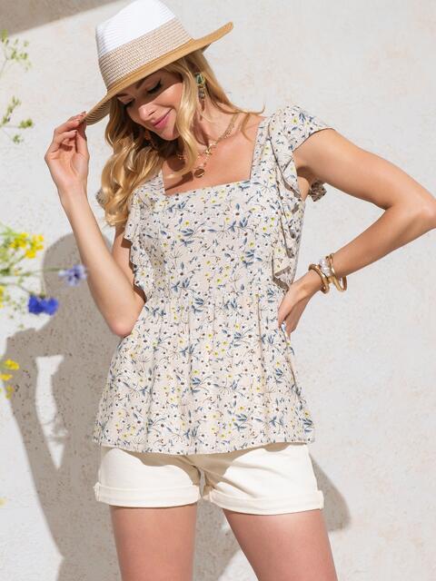 Бежевая блузка из штапеля с принтом и баской - 49126, фото 1 – интернет-магазин Dressa