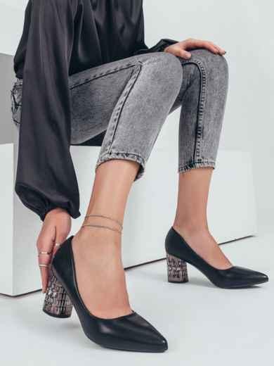 Черные туфли с инкрустацией на каблуке 50694, фото 1