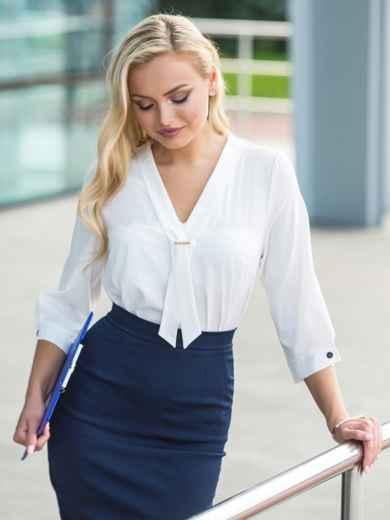 Легкая белая блузка с пришитым украшением на полочке 14075, фото 1