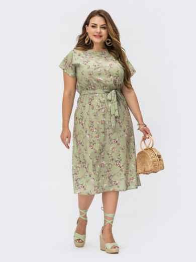 Зеленое платье батал с цветочным принтом и резинкой в поясе 54462, фото 1