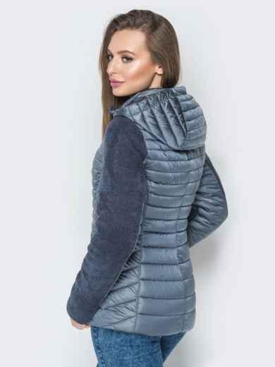 Серая куртка с капюшоном на кулиске и велюровыми рукавами - 20284, фото 2 – интернет-магазин Dressa