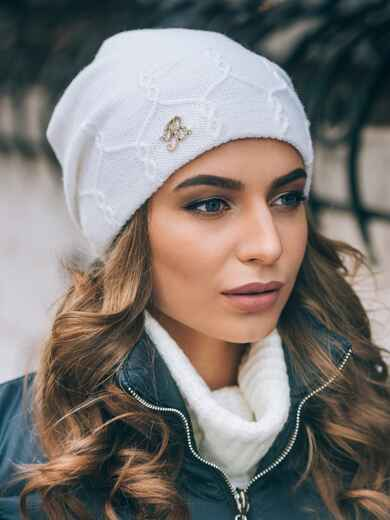 Белая двухслойная шапка с вязаной резинкой внутри - 14853, фото 2 – интернет-магазин Dressa