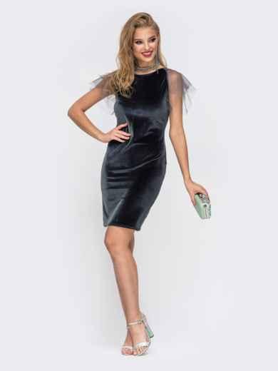 Приталенное платье с V-вырезом по спинке серое - 42627, фото 1 – интернет-магазин Dressa