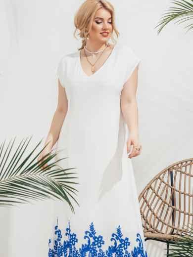 Приталенное платье батал с вышивкой по низу белое 46215, фото 1