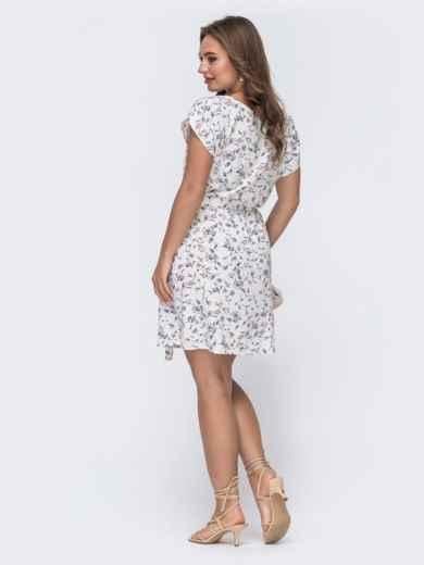 Платье с принтом и резинкой в поясе молочного цвета 48484, фото 2