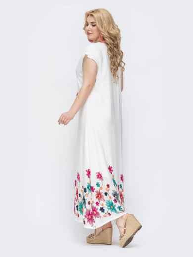 Приталенное платье батал белого цвета с вышивкой по низу 46216, фото 2