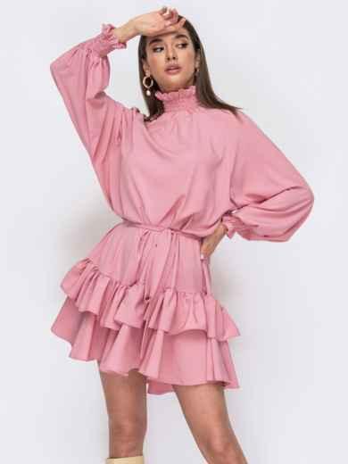 Розовое платье свободного кроя с оборками по низу 53476, фото 1