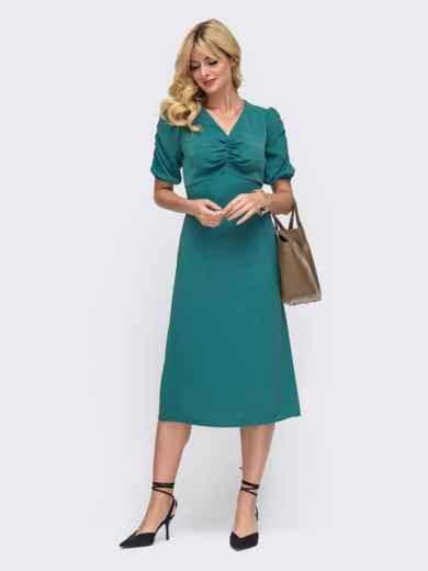 Приталенное платье бирюзового цвета с V-образным вырезом 50032, фото 1