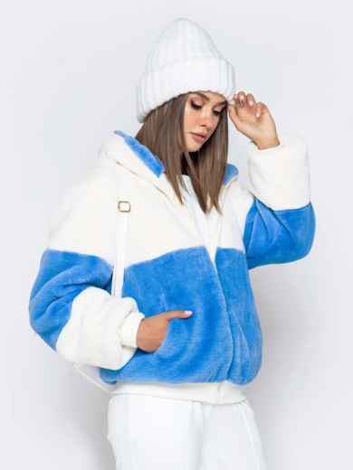 Короткая шуба с вшитым капюшоном голубая - 40184, фото 3 – интернет-магазин Dressa