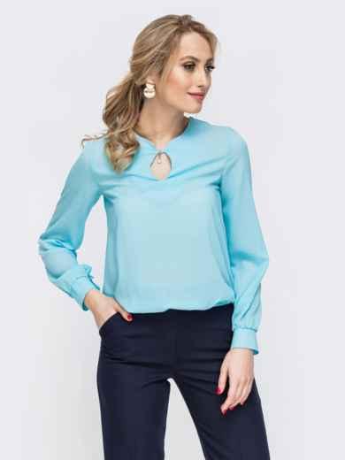 Блузка свободного силуэта с резинкой по низу голубая 45582, фото 1