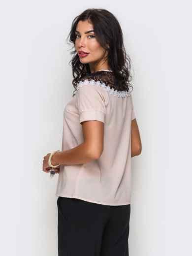 Пудровая блузка с черным кружевом и ромашками - 10050, фото 3 – интернет-магазин Dressa