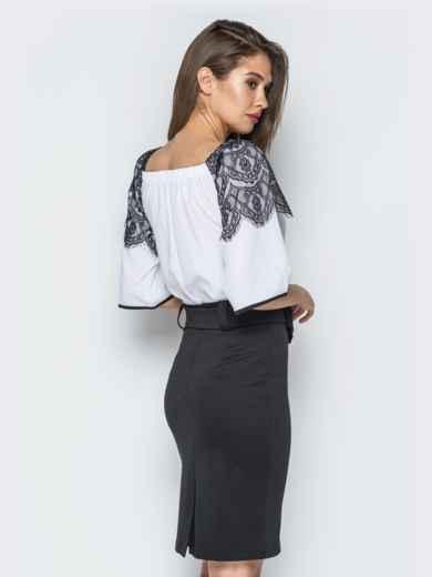 Белая блузка с открытыми плечами и кружевом на рукавах - 13219, фото 2 – интернет-магазин Dressa