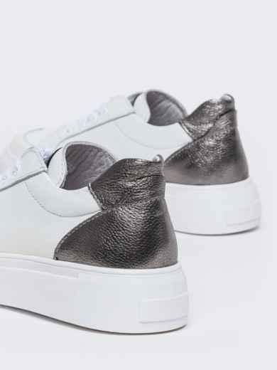 Белые кеды из натуральной кожи с контрастными вставками - 47551, фото 4 – интернет-магазин Dressa