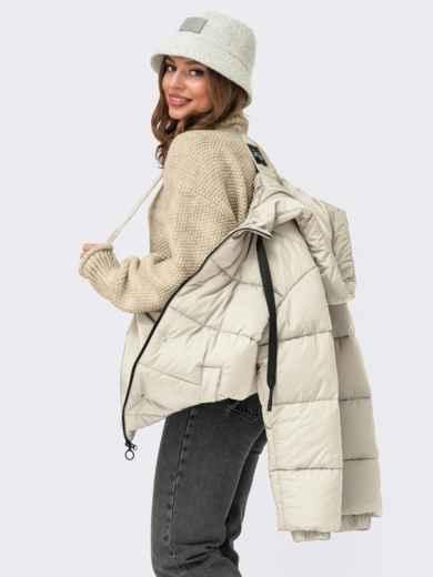 Зимняя куртка молочного цвета с вшитым капюшоном  55603, фото 1