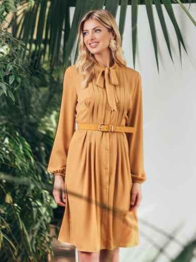 Платье на пуговицах с воротником-аскот желтого цвета 45835, фото 2