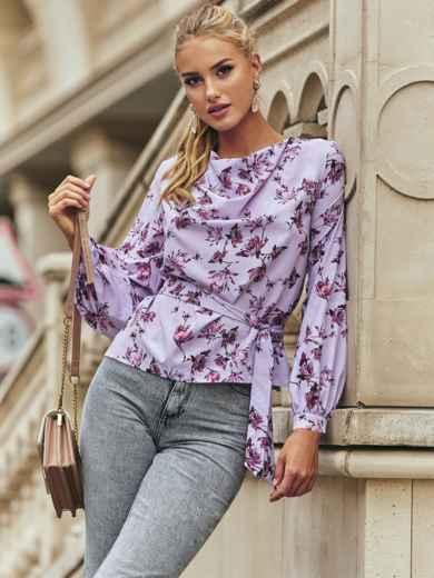 Блузка в цветочный принт с драпировкой на горловине сиреневая 54612, фото 1
