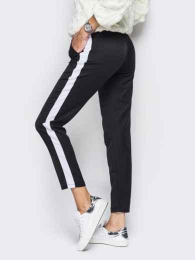 Черные брюки с поясом-резинкой и белыми лампасами - 10306, фото 2 – интернет-магазин Dressa