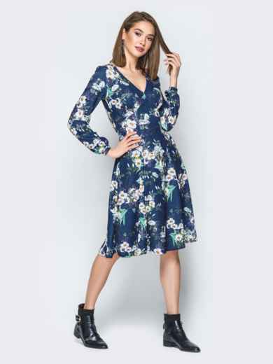 Принтованное платье с V-вырезом и юбкой-клёш синее - 20017, фото 3 – интернет-магазин Dressa
