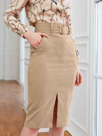Бежевая юбка из вельвета прямого кроя с разрезом спереди 54015, фото 1