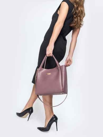 Глянцевая сумка-тоут с цепочкой на ремешке лиловая - 20551, фото 5 – интернет-магазин Dressa