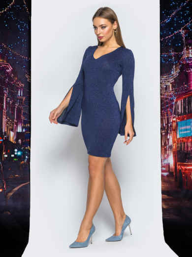 Трикотажное платье синего цвета с расклешенным рукавом 18091, фото 3
