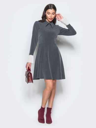 Платье серого цвета с воланами из шифона на рукавах - 17668, фото 2 – интернет-магазин Dressa