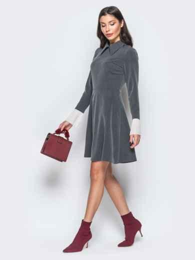 Платье серого цвета с воланами из шифона на рукавах - 17668, фото 3 – интернет-магазин Dressa