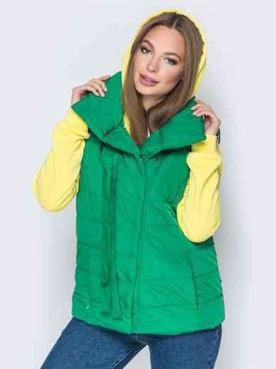 Зелёный жилет с объёмным воротником и карманами - 20056, фото 2 – интернет-магазин Dressa