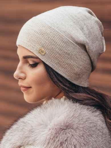 Зимняя шапка без помпона с нитью люрекса бежевая - 14732, фото 2 – интернет-магазин Dressa