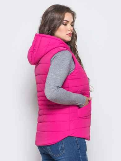 Малиновый стёганый жилет с капюшоном и карманами - 14695, фото 4 – интернет-магазин Dressa