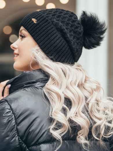 Зимняя шапка-бини с бубоном из натурального меха чёрная 51118, фото 2