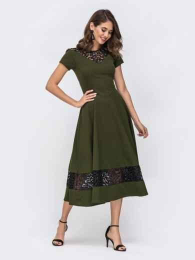 Платье с расклешенной юбкой и вставками из кружева хаки 42873, фото 1