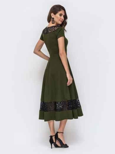 Платье с расклешенной юбкой и вставками из кружева хаки 42873, фото 2