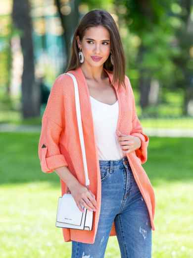 Вязаный кардиган oversize персикового цвета со шлевками - 38748, фото 4 – интернет-магазин Dressa