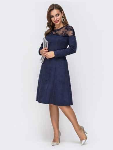 Синее платье с кокеткой из гипюра и расклешенной юбкой - 43055, фото 2 – интернет-магазин Dressa