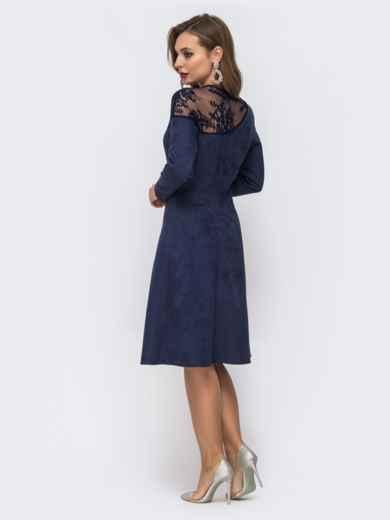 Синее платье с кокеткой из гипюра и расклешенной юбкой - 43055, фото 3 – интернет-магазин Dressa