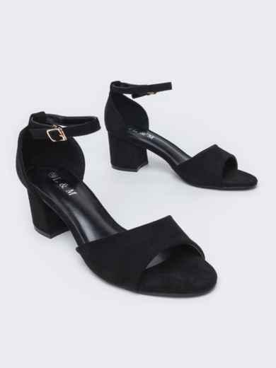 Босоножки чёрного цвета на каблуке 47497, фото 1